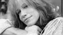 Carly Simon signs publishing deal with Universal