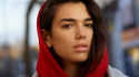 Dua Lipa does give a French version of IDGAF